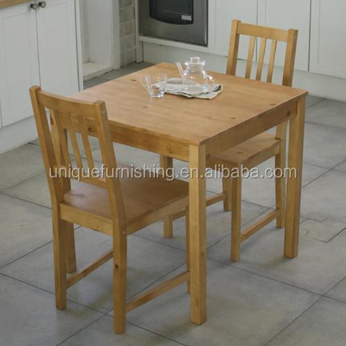 Color natural de pino macizo de madera mesa de comedor y silla ...