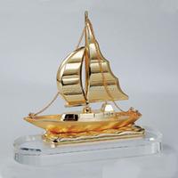 Gold color crystal base ship model souvenirs