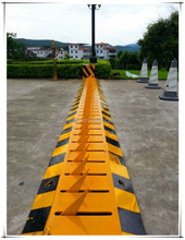 Steel traffic barriers Tire Tyre Killer deflator Traffic Spike Spikes Barrier Surface Mount One way road traffic Barriers