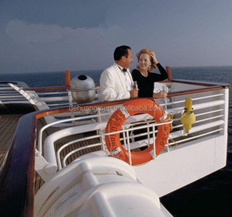 life_buoyancy_on_boat_.jpg