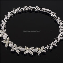 Silver color crystal four leaf charm bracelet designs