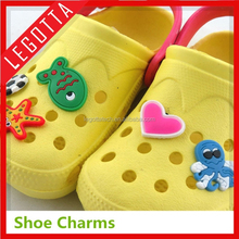 2015 Best selling ecological popular shoe charm promotional gadget for crocs