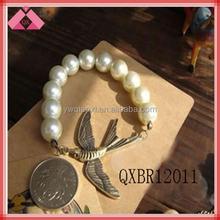 Freshwater pearl bracelet and bird (QXBR12011)