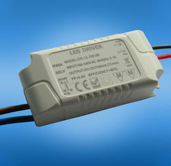 Hot selling 700ma 3*3w triac dimmable led driver