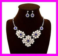 Fashion design elegant ladies jewelry cheap pearl necklace and earring set HD3523