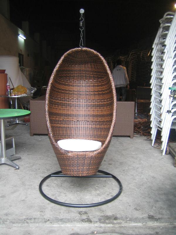 meubles de jardin en osier ou d 39 oeuf en rotin balan oire suspendue chaise pour forme d 39 oeuf. Black Bedroom Furniture Sets. Home Design Ideas