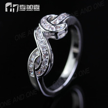 Newest Fashion Couple Jewelry CZ Wedding Ring In Brass Platinum Plated For Valentines Gift