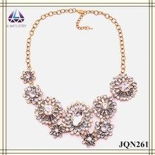 Beaded design flower shape transparent plastic diamond necklace for women