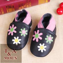 Venta al por mayor de china pintada a mano zapatos para el bebé material de los zapatos