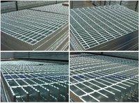 galvanized metal grating floor,galvanized serrated shape steel grating,GI grating