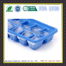 Personalized silicone ice cube tray with lid