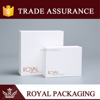 Fresh and elegant style simple pure white jewelry box with logo for necklace and pendant packaging