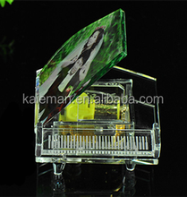 Beautiful Photo Crystal Piano Music Box with Led Base For Wedding Favors