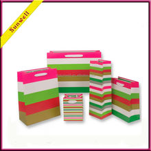 Hot sales ! Dongguan newest desgin custom paper carrier bag & gift shopping bag for clothes & shoes package