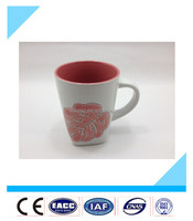 2015 hot sale ceramic square handle mug flower design