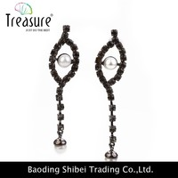 2015 Rhinestone pearl copper claw wire rope eyes earring wholesale