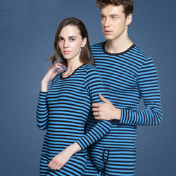 A couple of thermal underwear sets stretch cotton t-shirts underwear