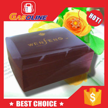 Exclusive classical wood gift box with latch