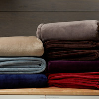 100% polyester solid velvet plush blanket throw