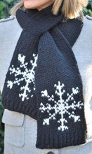 Fashionable Winter CHRISTMAS Knitting Pattern Snowflake Scarf