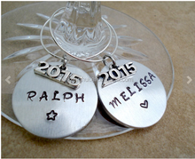 zinc alloy different print picture silver plated Hand Stamped Personalized Graduation Wine Glass Wine Charm