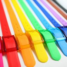 2014 New Design Promotional Plastic Rubber Belts Overstock