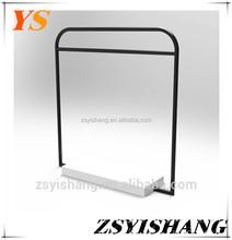 rolling carpets shelf display rack with Yishang