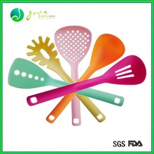 2013 Hot Sale Food Grade Coloful durable silicone kitchenware