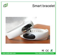 2015 comfortable wristband popular watch kids gps tracking smart band