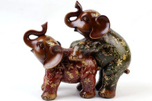 Philippines Handmade Cute Red Resin Elephant Figurines Couple With Green Wedding Decor Home Decor Gift Folk Arts And Crafts