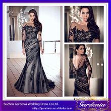 Elegante Negro de manga larga de la sirena del vestido de noche con cuello barco V Volver Appliqued largo satén y falda de tul