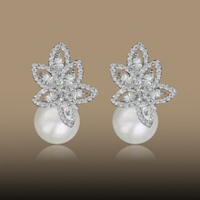 2015 China panyu factory whole pear stud pearl earrings for Women gift