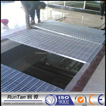 [Runtan] 2015 Hot sale drainage gutter with steel grating drain covers/catwalk steel grating