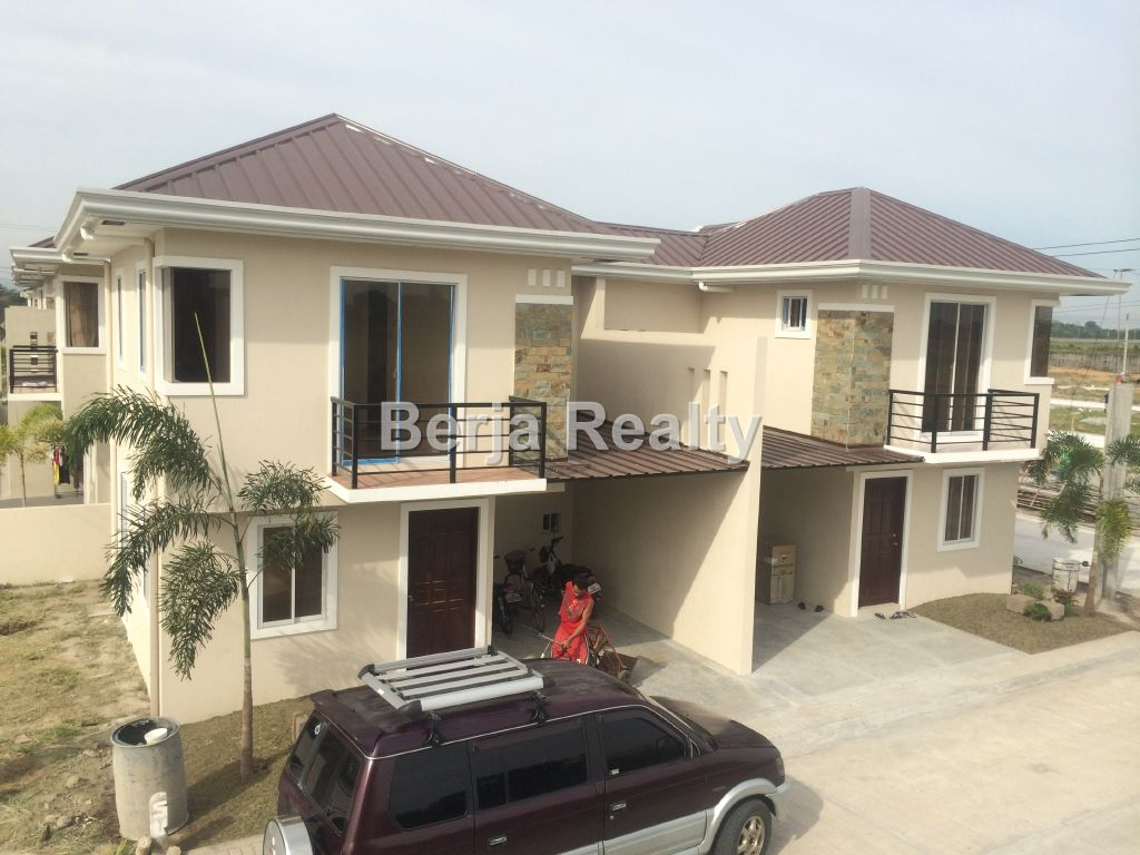 House and lot for sale san fernando pampanga havana for 2 houses on one lot for sale