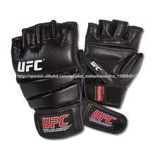 la práctica de ufc guantes