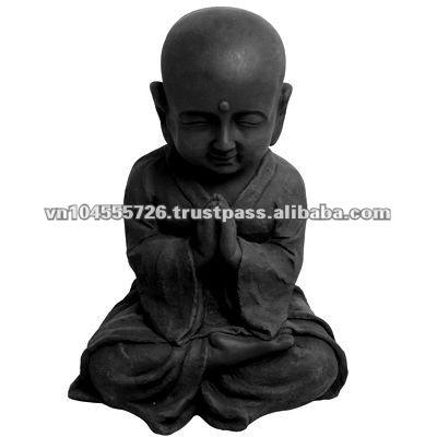 la oración budista hermano laicos de la escultura de piedra