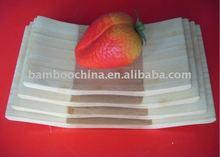 piatti di bambù e piatti