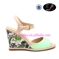 Color slope and fashion sandals