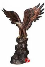 bronze flying eagle sculpture for garden decoration
