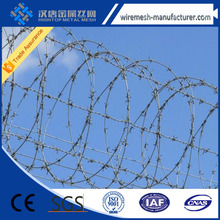 Grass boundary galvanized barbed wire,barbed wire for protection,hot-dipped galvanized barbed wire mesh for sale