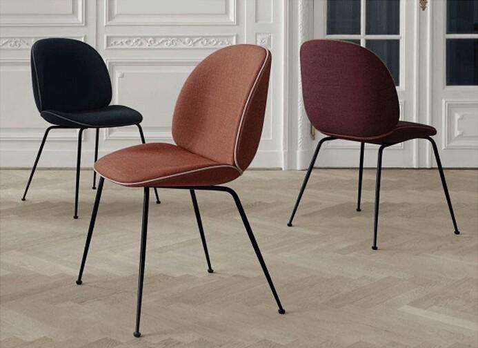 danois r plique meubles gubi conception beetle chaise par gamfratesi chaises de salle manger. Black Bedroom Furniture Sets. Home Design Ideas