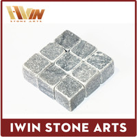 Iwin Sipping Stones - Whisky Chilling Rocks in Gift Box with Carrying Pouch - Made of 100% Pure Sipping Stones - Set of 9 Grey