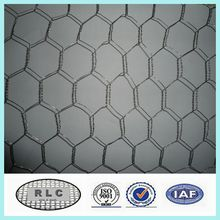 galvanized/ PVC coated hexagonal wire mesh / chiken wire netting for poultry( china supplier)