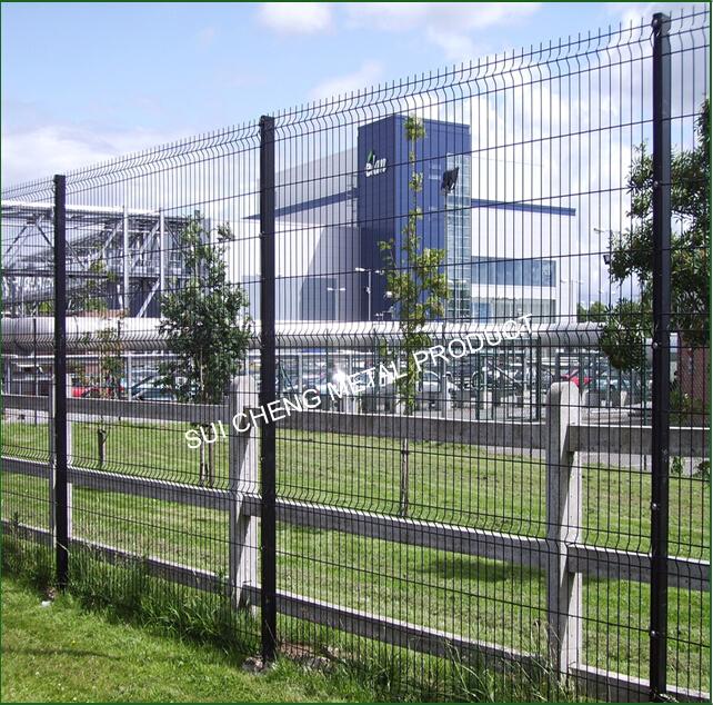 Guangzhou Factory PVC Coated Metal Security Farm Fence