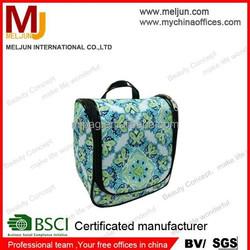 Nylon Waterproof Travel Toiletry Bag Foldable Hanging Cosmetic Bag Organiser