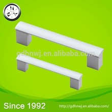 With 8 automatic production lines fashion aluminum classical kitchen furniture handle
