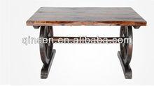 2014 el último diseño de la rueda de muebles de mesa al aire libre muebles de jardín carbonizado sólido de madera mesa de comedo