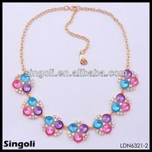 2014 wholesale cheap gold plating fashion elegant flower necklace