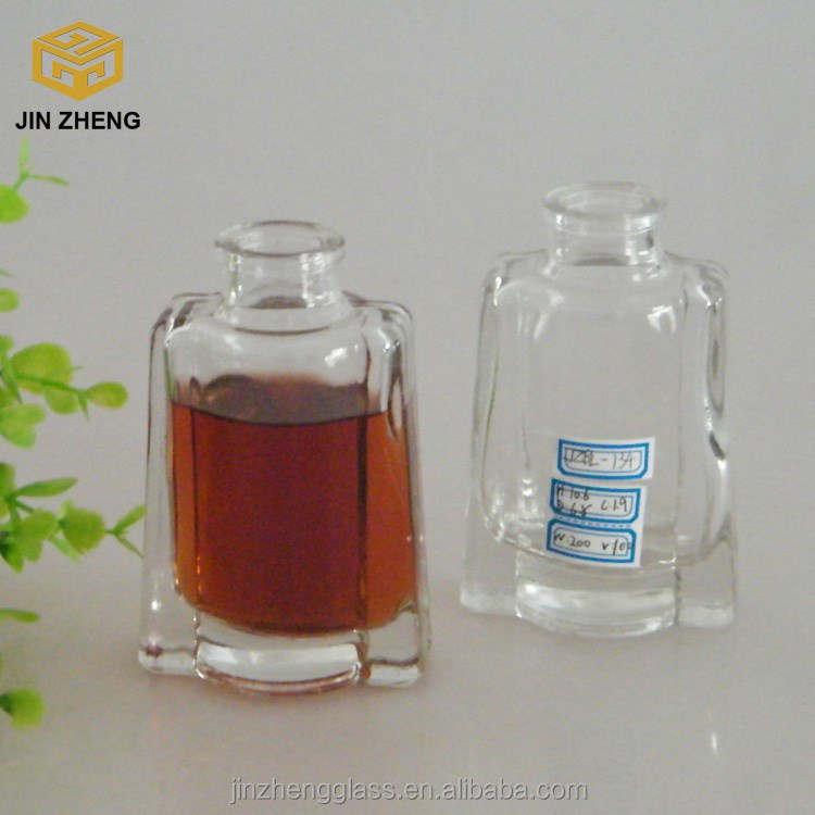 2015 Popular 100ml 3oz Glass Small Size Wine Liquor Bottle