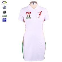 Camisetas y polo bordado para mujeres de diseño reciente